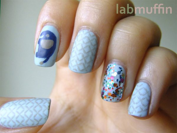 NOTD: Circusy nails with added elephants!
