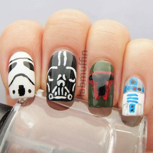 Artsy Wednesday: Inspired by Disney (Star Wars nails)