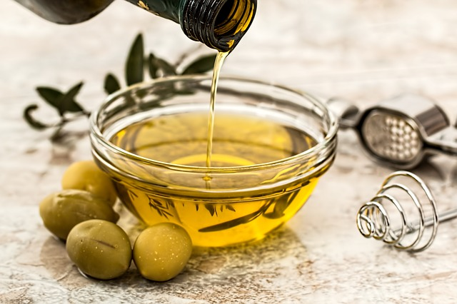 Are unsaturated oils bad for your skin?