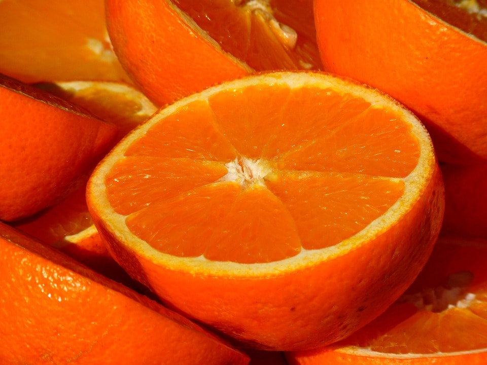 Mythbusting: Are Vitamin C Serums Bad for You?