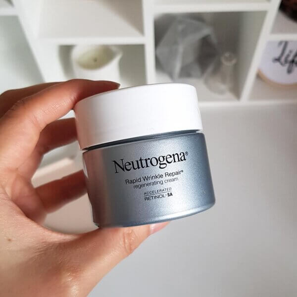 Choosing retinol products: Neutrogena Rapid Wrinkle Repair Regenerating Cream